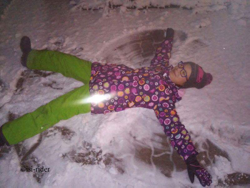 Das erste Schneeengerl